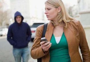 descubrir una infidelidad siguiendo a tu pareja no es la solucion ideal